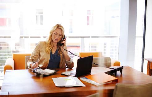 la gamme t l phone pro avec forfait d 39 appels assistance orange. Black Bedroom Furniture Sets. Home Design Ideas